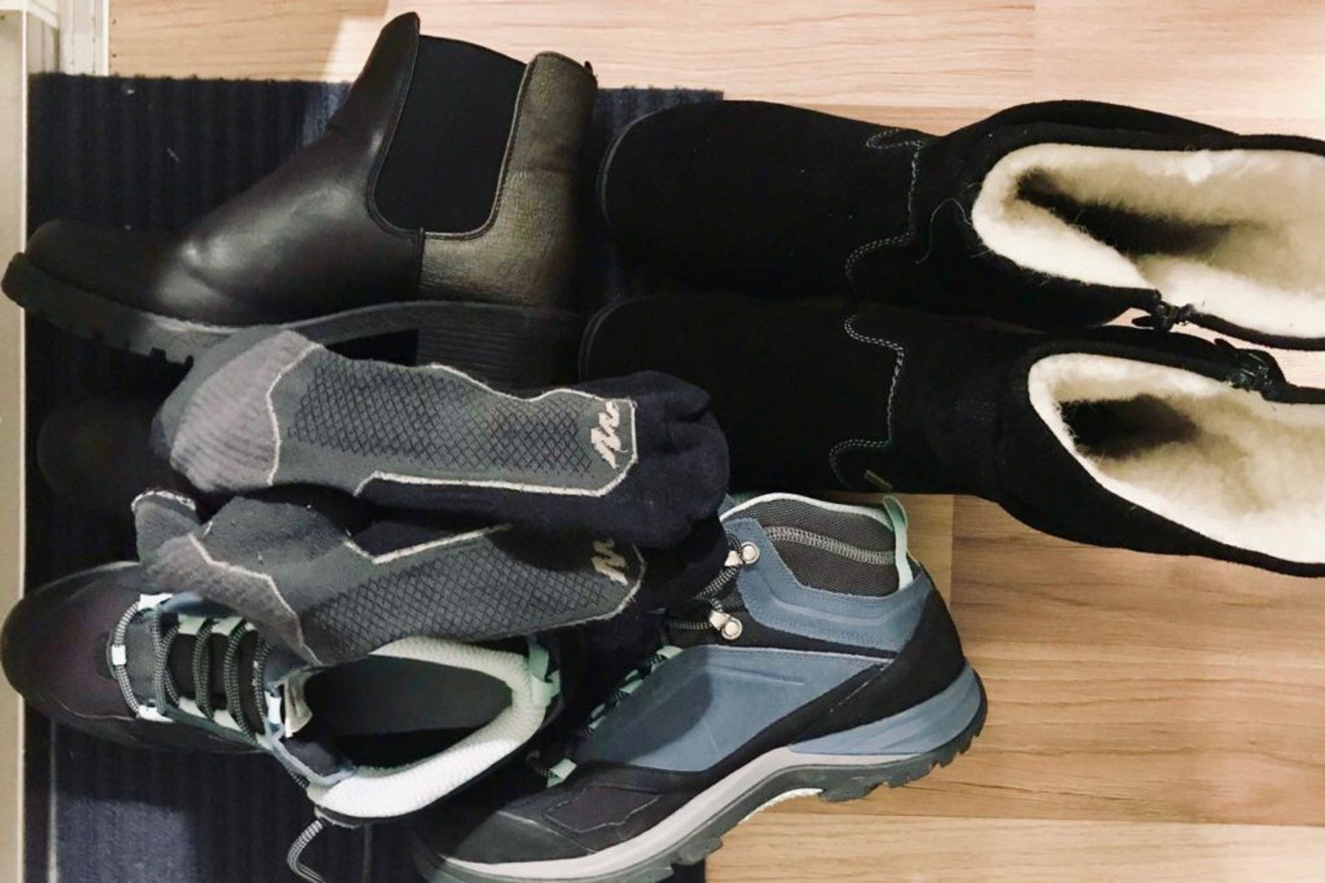 3 pairs of warm boots and thermo socks.