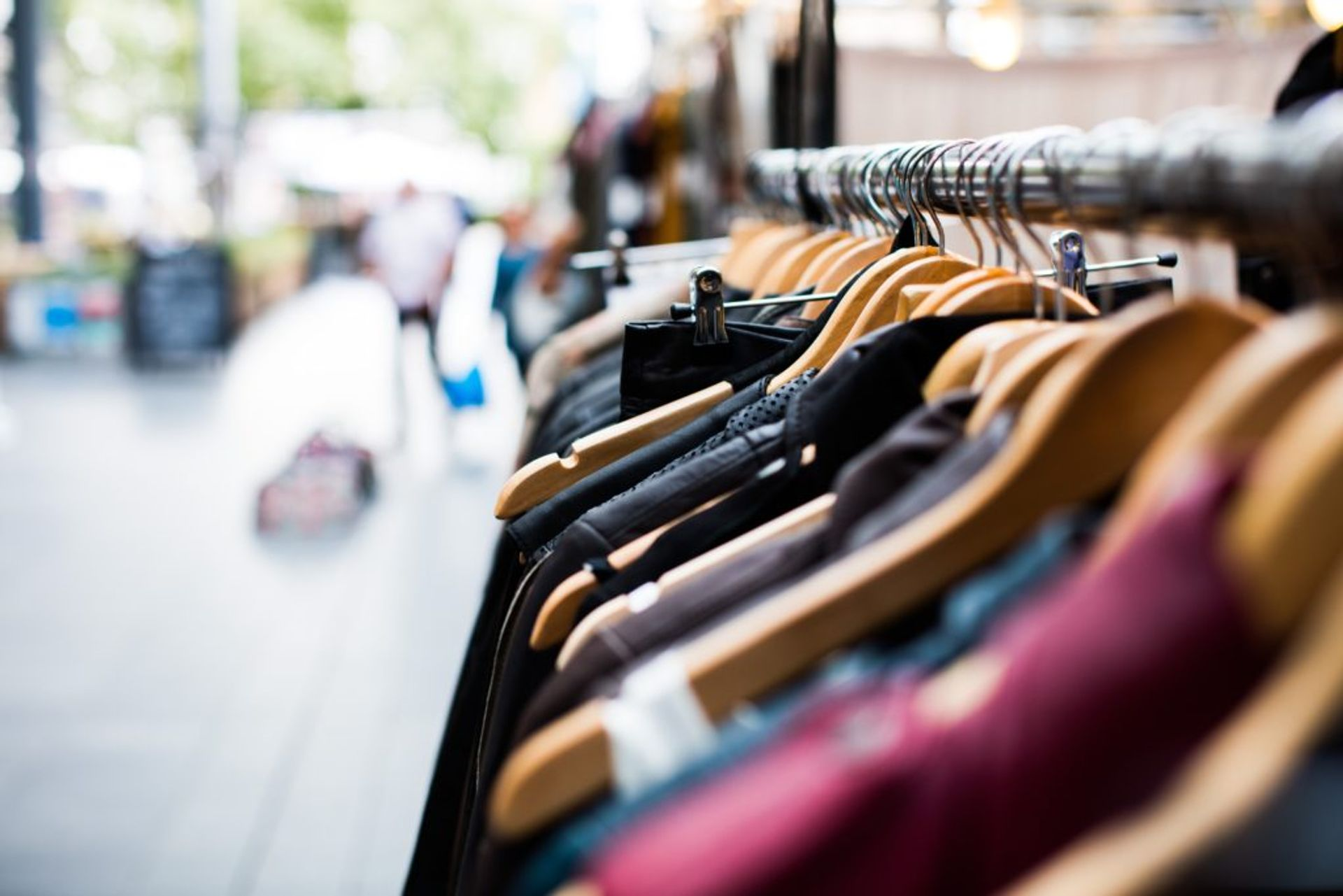 Second hand clothes/ Credit: Artificial Photography; Unsplash