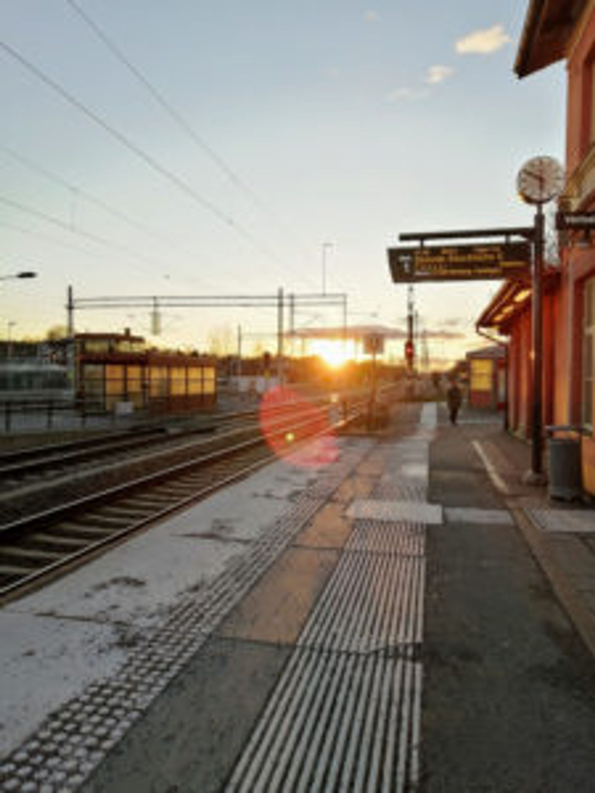 Sunset at a train station in Alingsås.