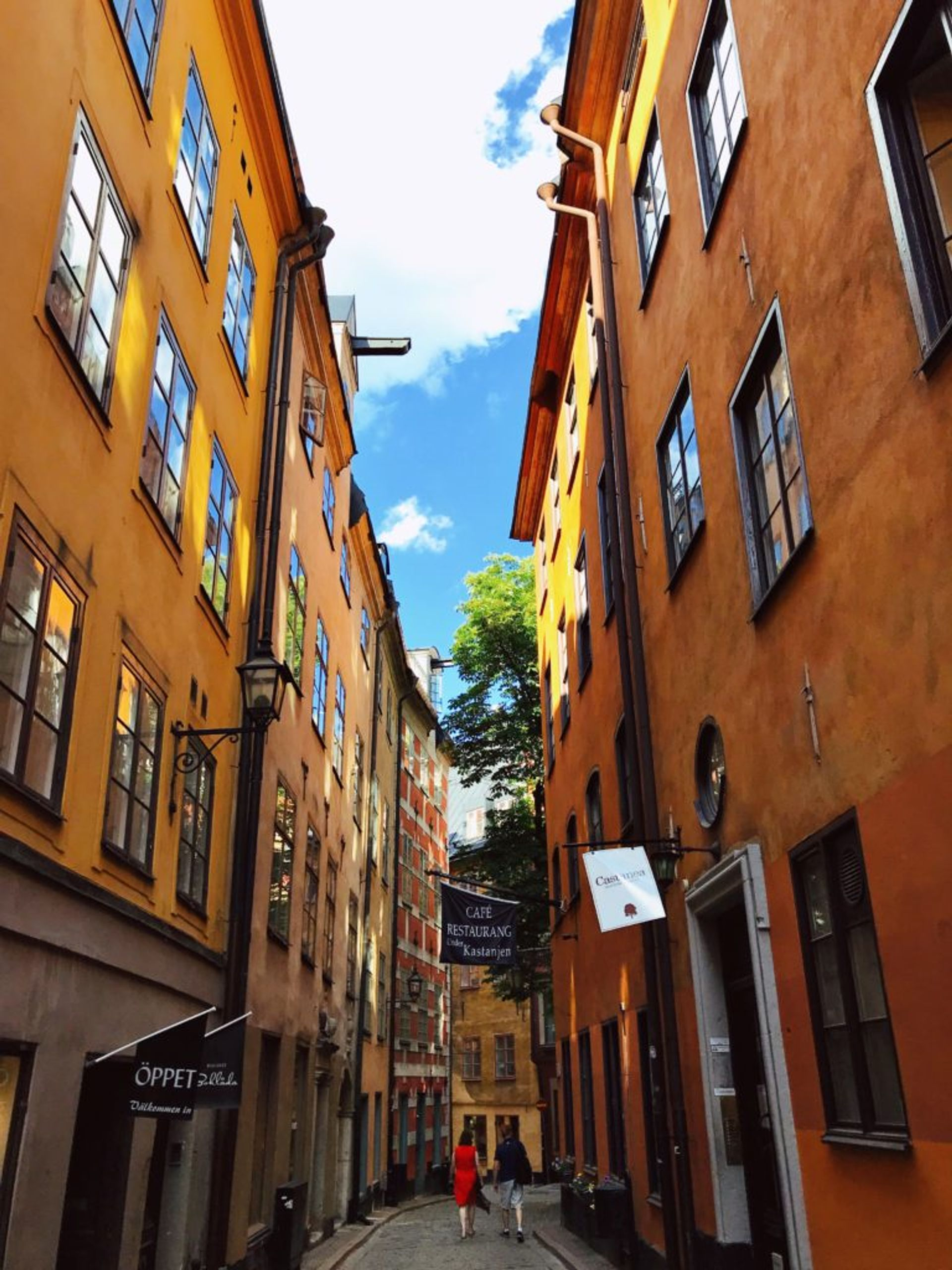 A narrow, cobbled street in Stockholm's Old Town.