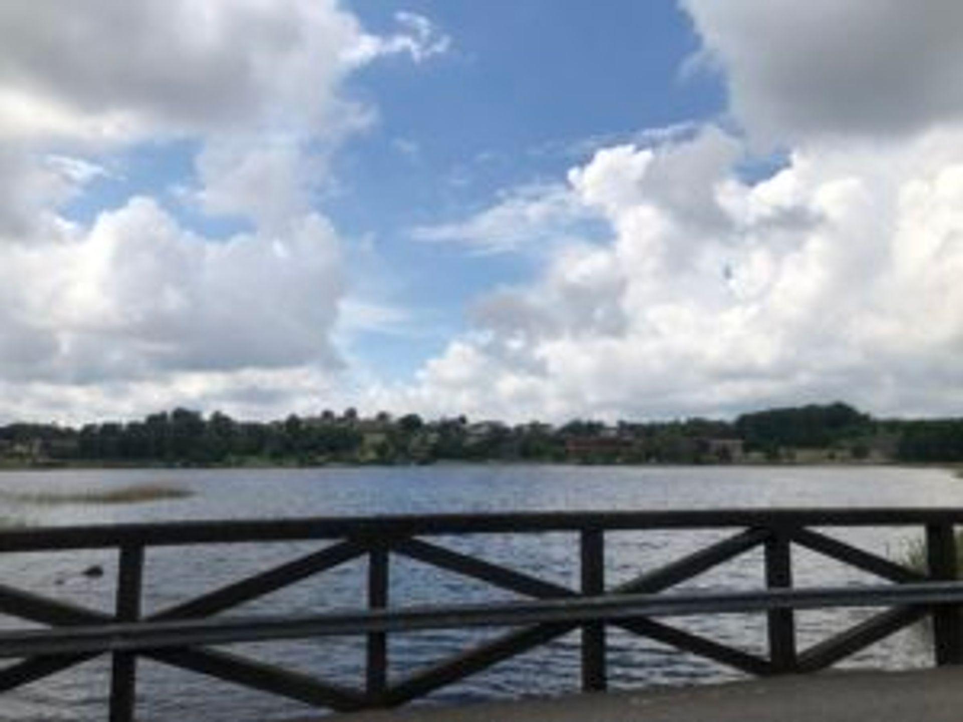 The lake beside Gunnebo House.