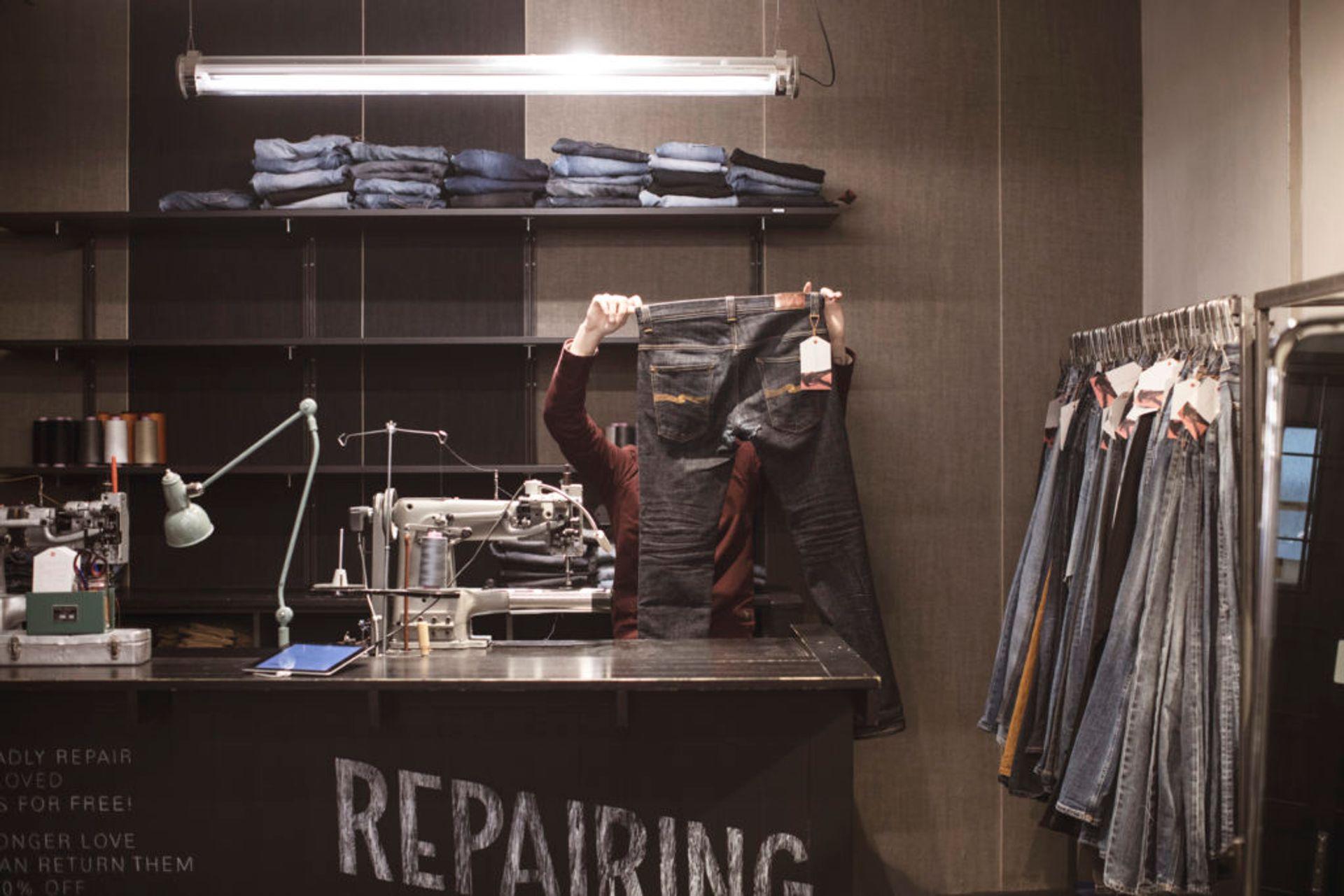 Nudie Jeans repair shopp.