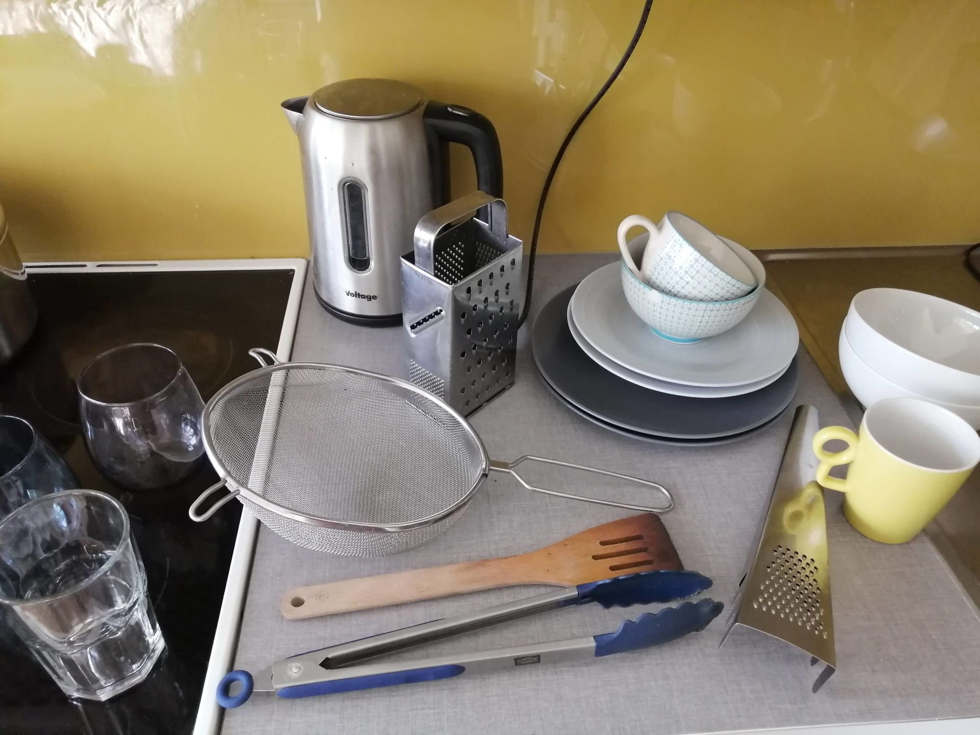 Kitchen utensils and crockery